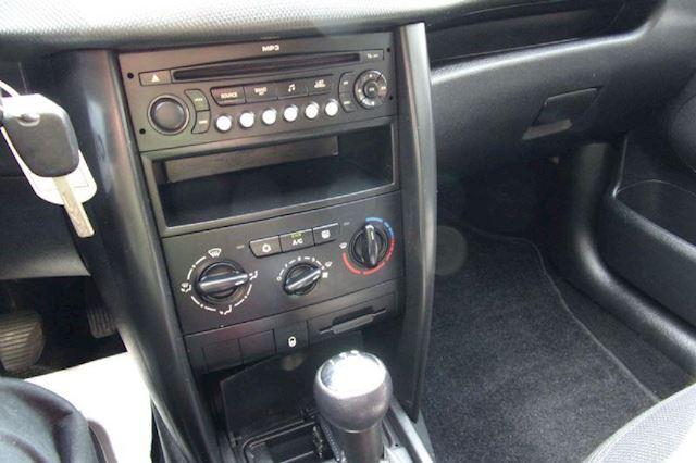 Peugeot 207 1.6 HDI XS NWE APK & NAP