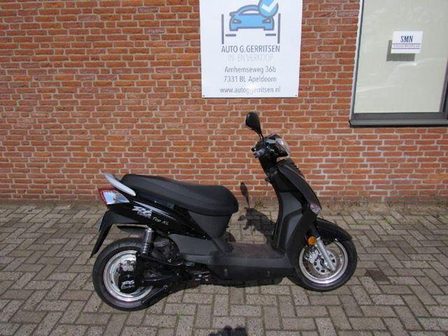 Elektrische Scooters Yamasaki occasion - Auto G. Gerritsen