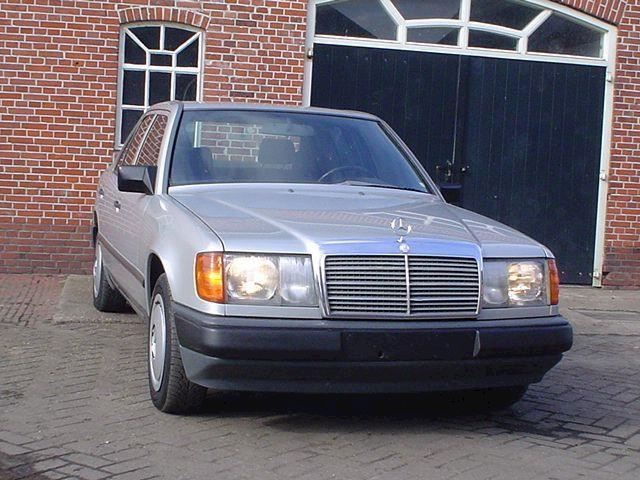 Mercedes-Benz 200-300 200D weinig km incl garantie