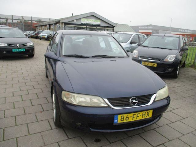 Opel Vectra 1.6-16V Pearl.. Apk 27-06-2020