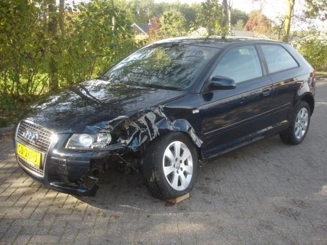 Audi A3 1.6 I  attraction  airco - cruise