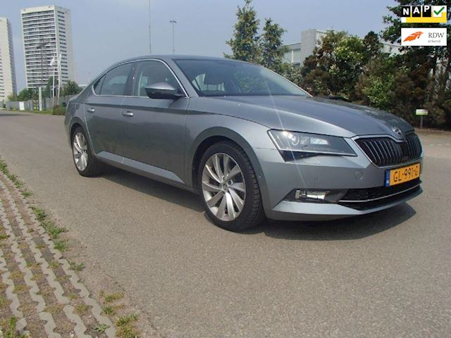 Skoda Superb 2.0 TDI Style Business