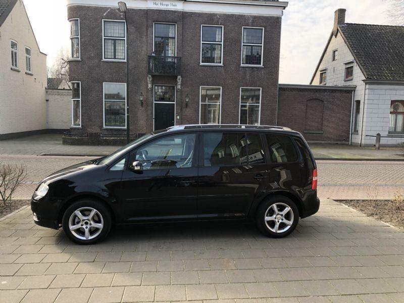 Volkswagen Touran occasion - Autobedrijf F. Smits