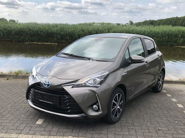 Toyota Yaris Energy Plus 1.5 Hybrid 100 PK NAVI CRUISE CAMERA Energy Plus