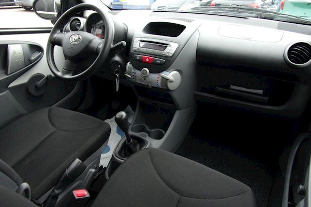 Toyota Aygo 1.0-12V Cool NAP & NWE APK