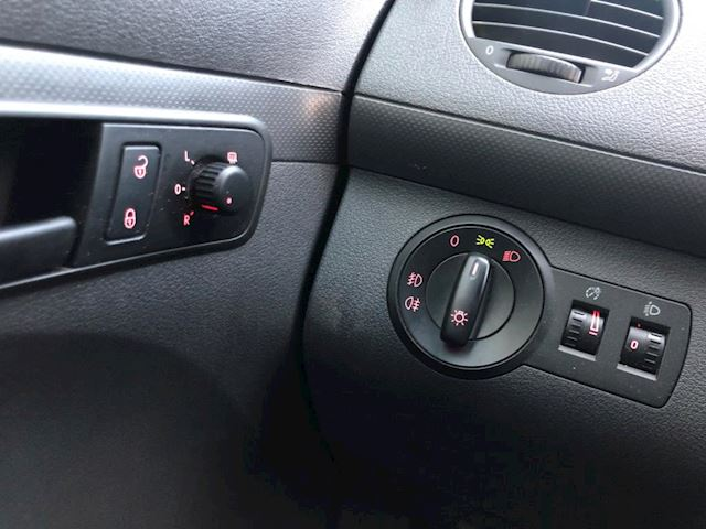 Volkswagen Caddy 1.6 TDI Airco Schuifdeur Navigatie (2012)