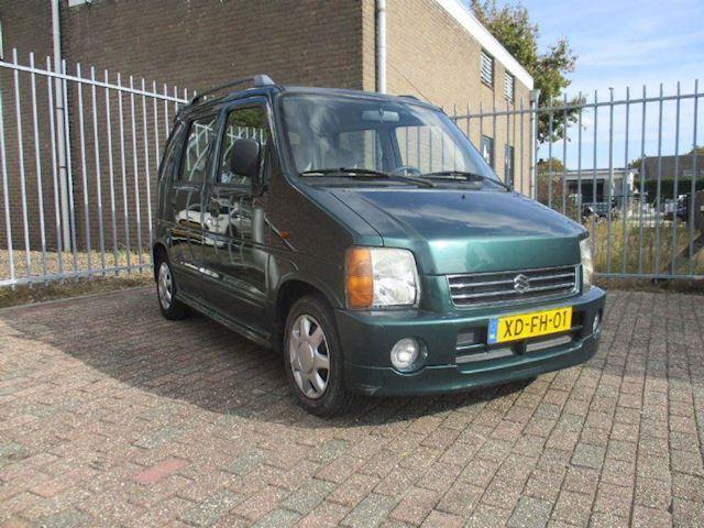 Suzuki Wagon R+ invalideauto , automaat aangepast gas,rem aan het stuur ,airco , hoge instap