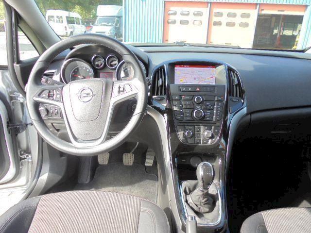 Opel Astra 1.4 Turbo Cosmo 140pk Half leder , navi ,pdc .