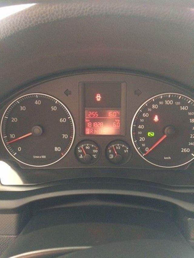 Volkswagen Golf 1.4tsi comfort 103kW dsg aut