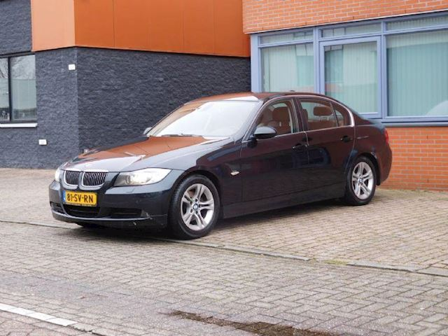 BMW 3-serie 320D High Executive / Full-Option / NAVI / N.A.P