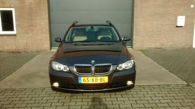 BMW 3-serie 320i Touring Executive