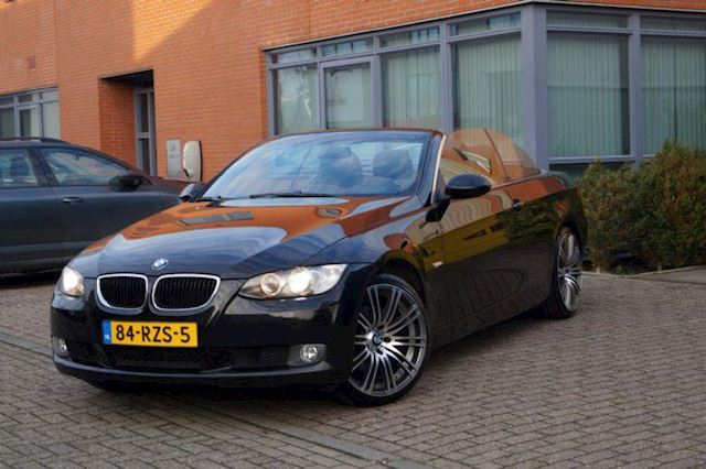 BMW 3-serie 320i Executive / LEER / NAVI / PDC / VERKOCHT