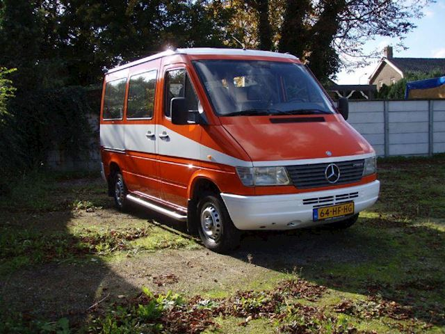 Mercedes-Benz Sprinter 208 D