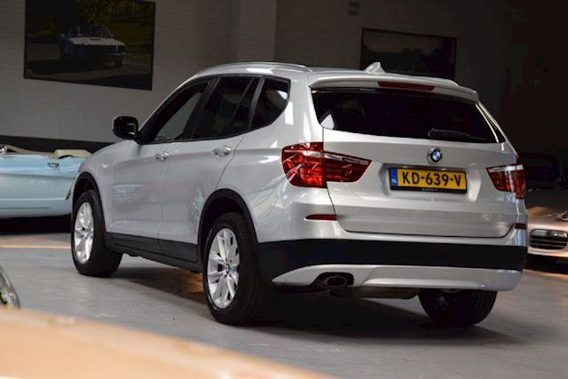 BMW X3 1.8d sDrive *High Executive*Aut.Panorama-dak|Leder|Navi|El.trekhaak|Compleet onderhouden.