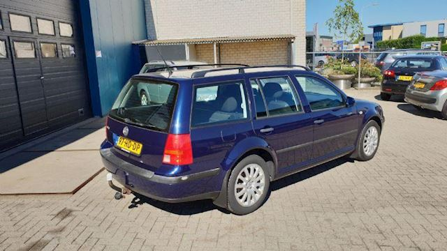 Volkswagen Golf 1.6-16V Variant Climate control Cruise 16