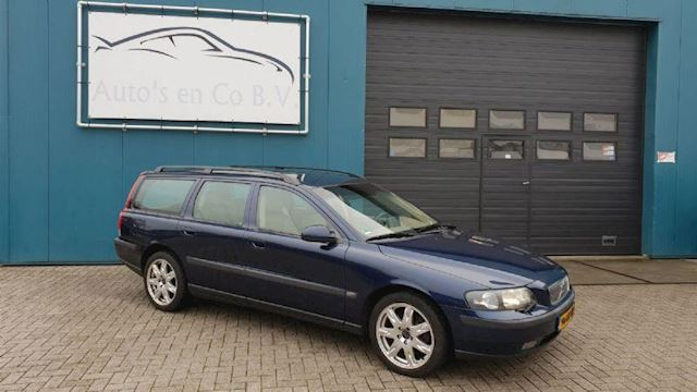 "Volvo V70 2.4 T Automaat 200pk YOUNGTIMER Leder Clima Navi Cruise 17"" Pdc Trekhaak NL Auto NAP Incl nw Apk 02-2020"
