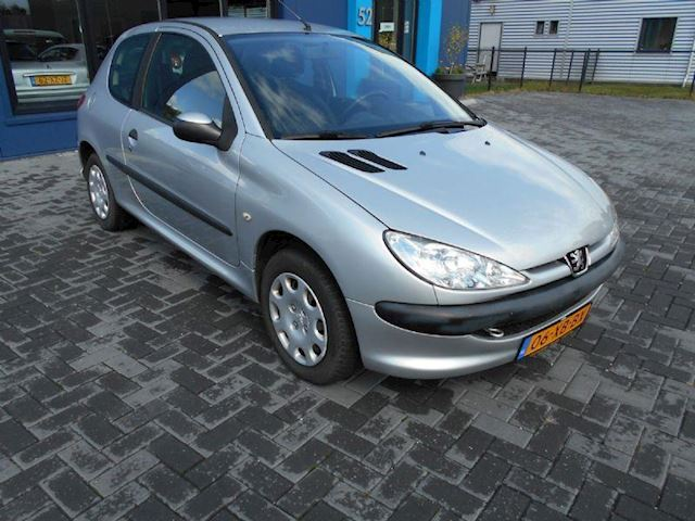 Peugeot 206 1.4 One-line  AIRCO!!