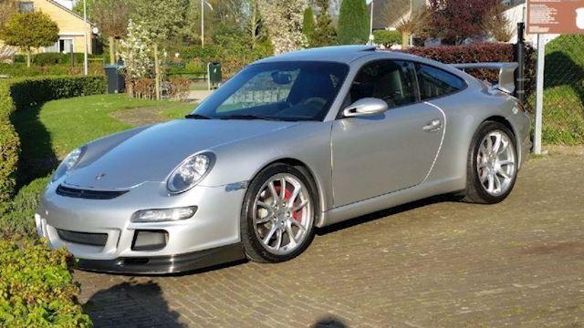 Porsche 911 3.8 GT3
