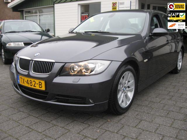 BMW 3-serie 325i Executive Aut.
