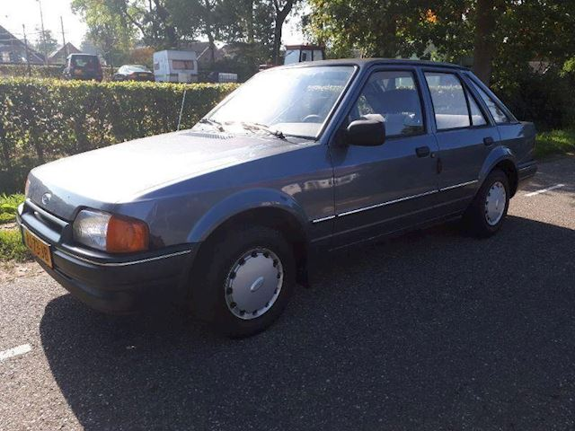 Ford Escort 1.6 CL
