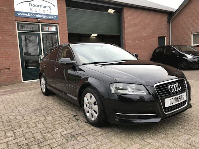 Audi A3 1.6 TDI Sportback Attraction Business Edition