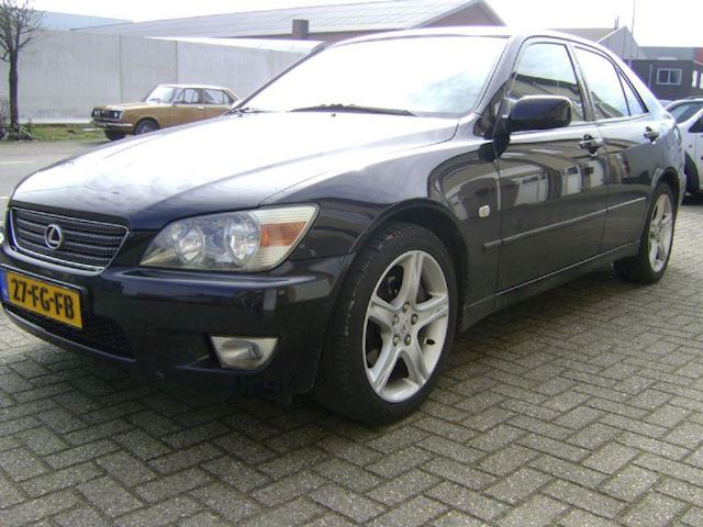 Lexus IS200 2.0 executive aut org. 130907 km. n.a.p.