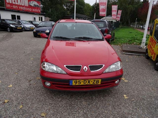 Renault Megane 1.6 16v rxe waterpomp lekt