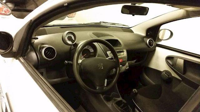 Peugeot 107 1.0-12V/Elektra pakket/1 Jaar APK/Garantie