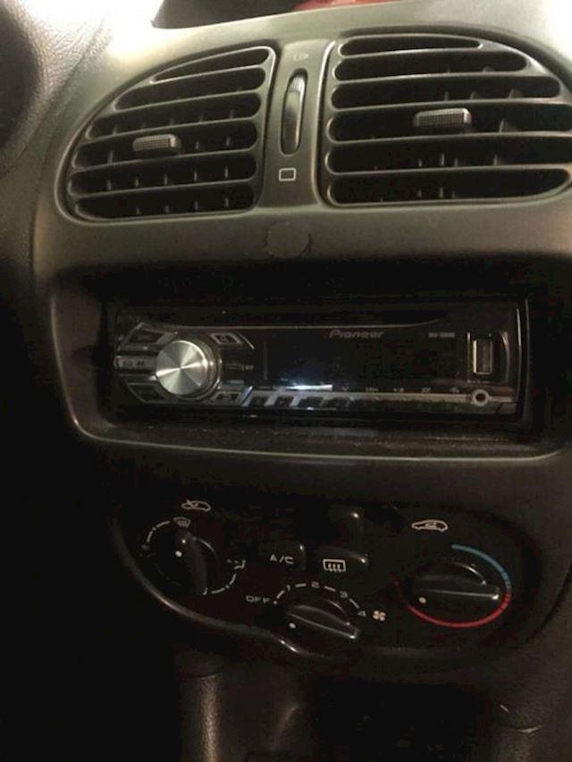 Peugeot 206 1.4 XT
