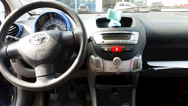 Toyota Aygo 1.0/Airco/Elektra pakket/Nw Apk/Garantie/Handsfree Bel