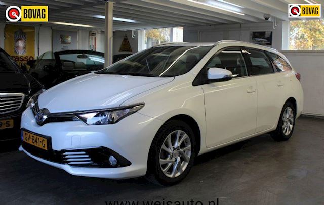 Toyota Auris 1.8 Hybrid Aspiration BLACKSCREEN