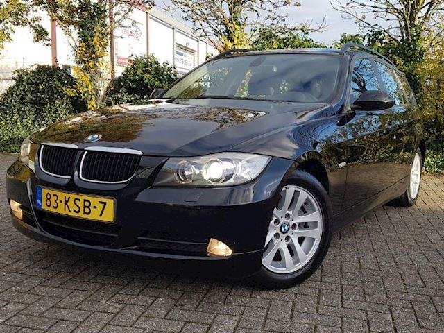 BMW 3-serie 320i Automaat Clima/Cruise IS VERKOCHT