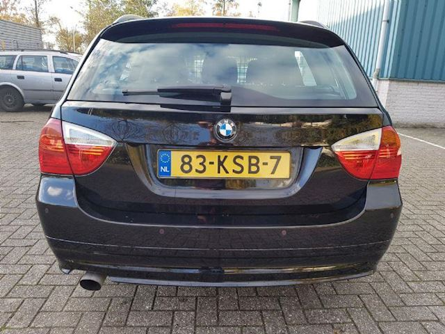 BMW 3-serie 320i Automaat Clima/Cruise IS VERKOCHT!!