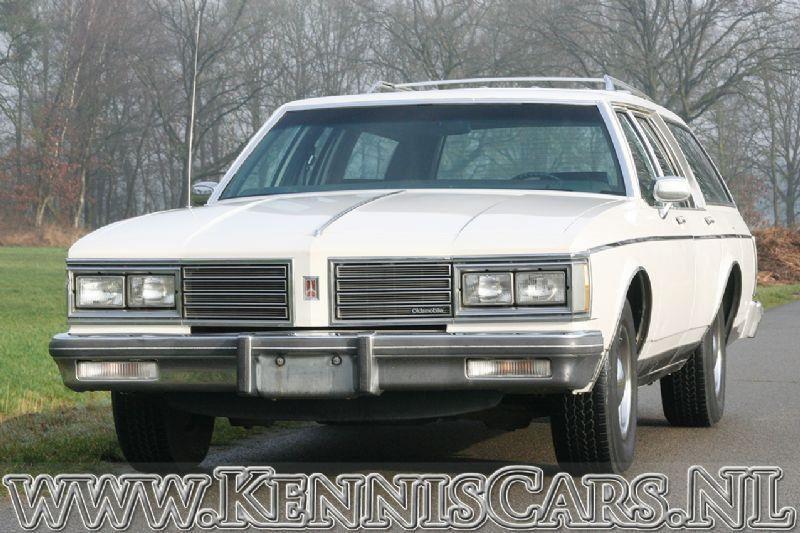 Oldsmobile 1985 Custom Cruiser occasion - KennisCars.nl