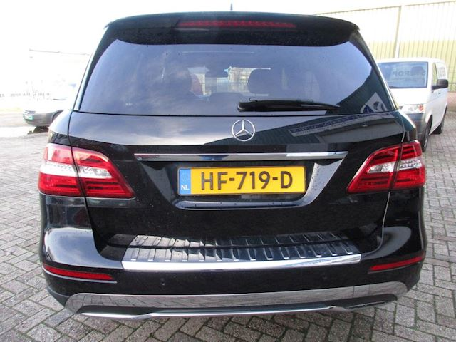 Mercedes-Benz M-klasse 250 BlueTEC AMG 4-MATIC