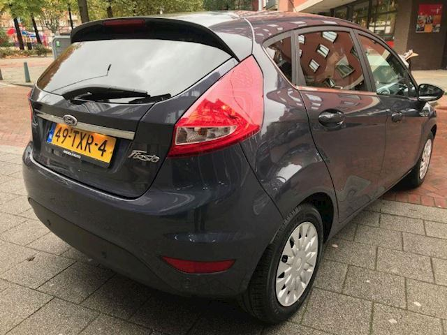 Ford Fiesta 1.6 TDCi ECOnetic Titanium Cruise / PDC / NAP