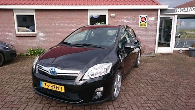 Toyota Auris 1.8 Full Hybrid Dynamic Business navi