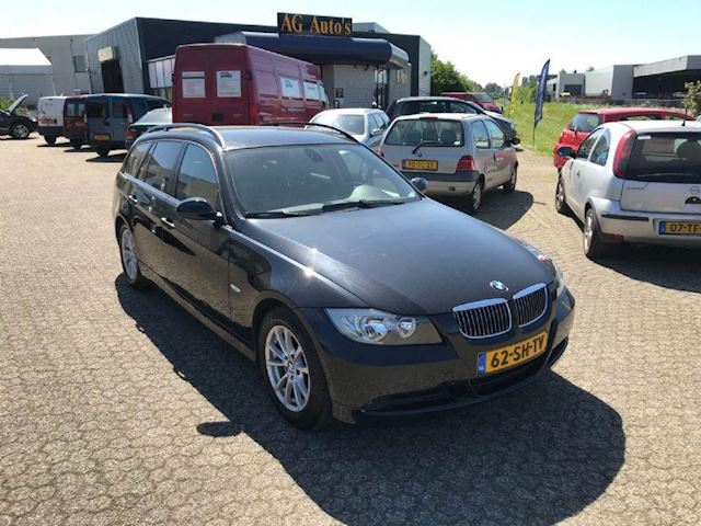 BMW 3-serie Touring 320i High Executive trekhaak