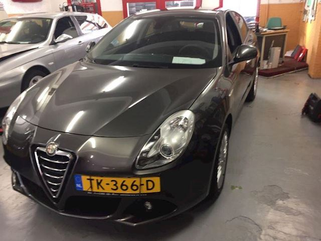 Alfa Romeo Giulietta 1.4 Turbo Progression, in Topstaat