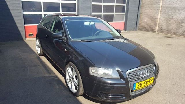 Audi A3 2.0 FSI Attraction Pro Line Business