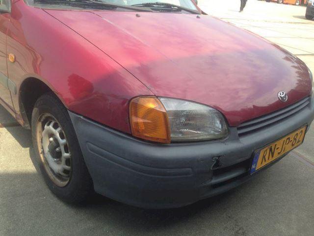 Toyota Starlet 1.3 GERESERVEERD !!!