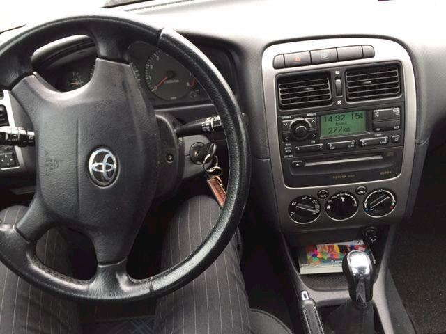 Toyota Avensis 1.8 VVTi Linea Luna sedan