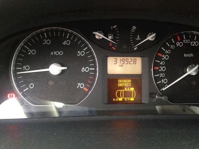 Renault Laguna 1.8 16V Dynamique G3 2001 GERESERVEERD !!!