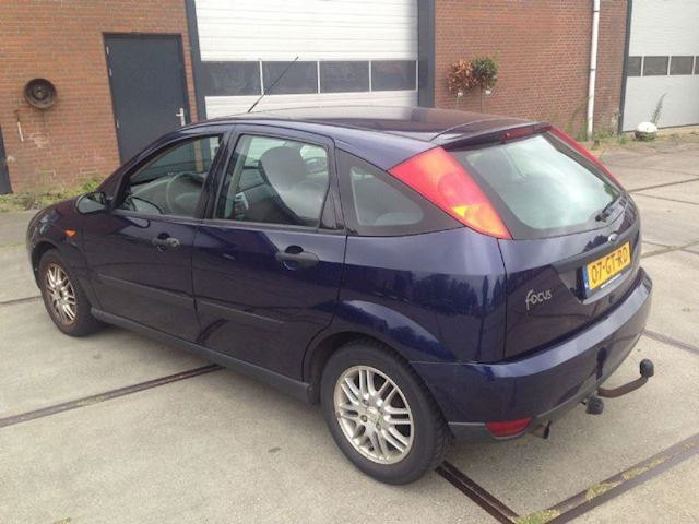Ford Focus 1.6i 16V Collection 5drs AIRCO GERESERVEERD !!!