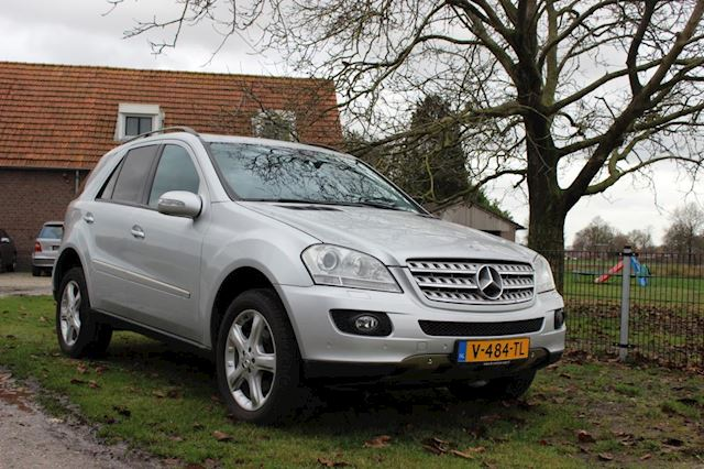 Mercedes-Benz M-klasse 280cdi 4-matic aut grijs kenteken 77000km! ml