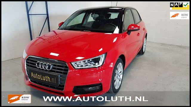 Audi A1 sportback 1.0 tfsi Pro-line Attraction/Navigatie