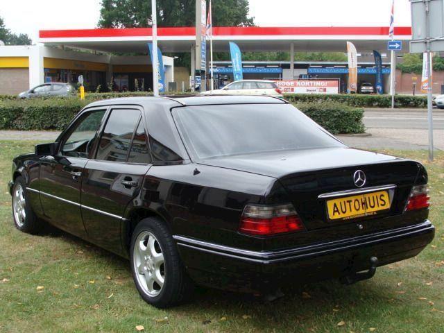 Mercedes-Benz E-klasse 300 DIESEL GEHEEL GERESTAUREERD