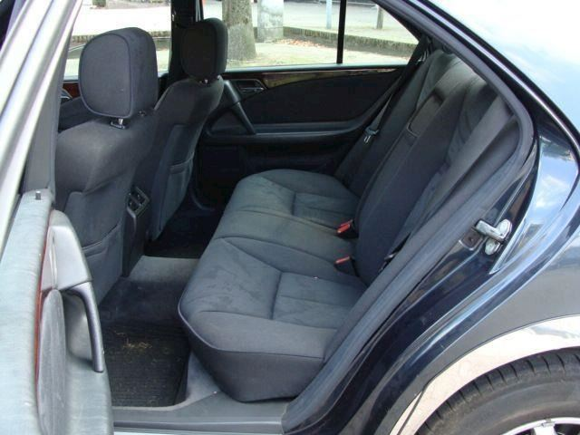 Mercedes-Benz E-klasse YOUNGTIMER 200 Elegance 100KW ECC AIRCO