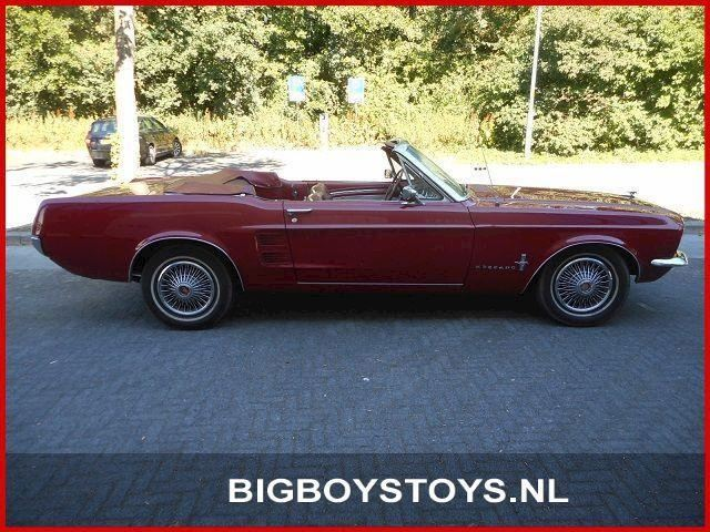 Ford USA Mustang Convertible V8