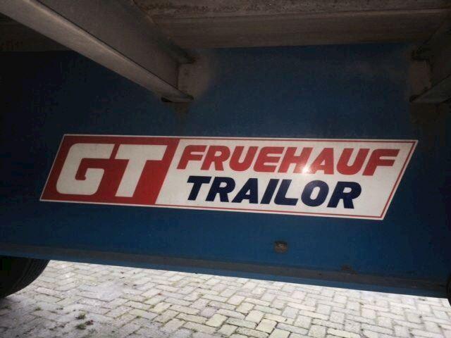 Aanhanger Freuhauf 3assige schuifzuil trailer 2002 goede ban Freuhauf 3assige schuifzuil trailer 2002 goede banden nieuwe deuren weinig kms